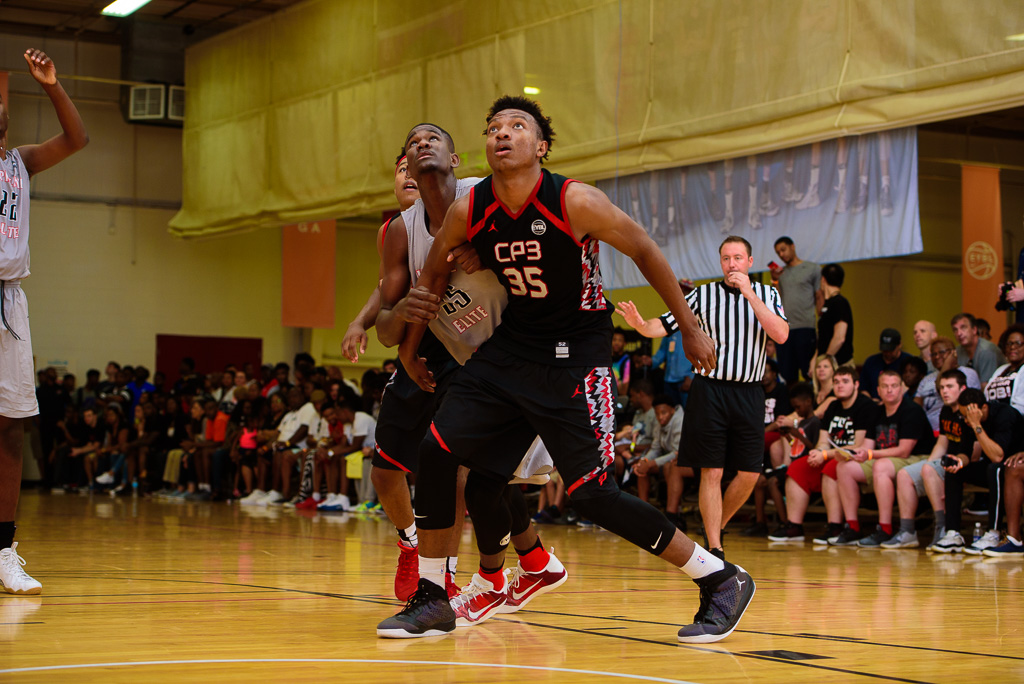 Wendell Carter and DeAndre Ayton battle it out at the Atlanta stop of the Nike EYBL circuit. PHOTO: Ty Freeman