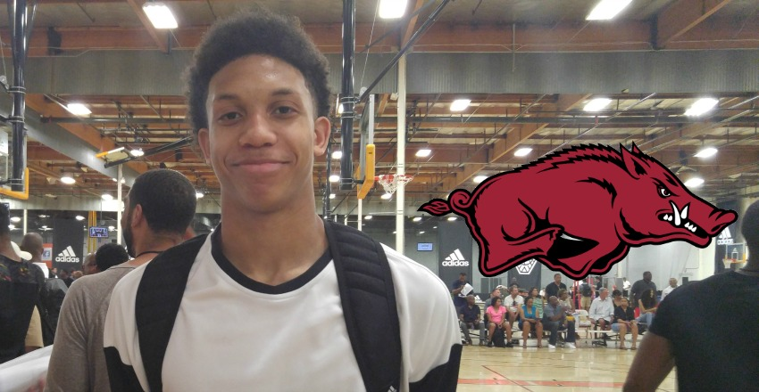 Ethan Henderson commits to Arkansas.