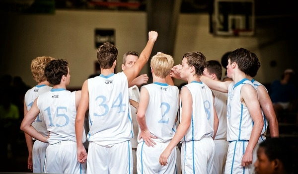 MTXE Basketball huddle