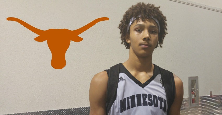 Jericho Sims commits to Texas.